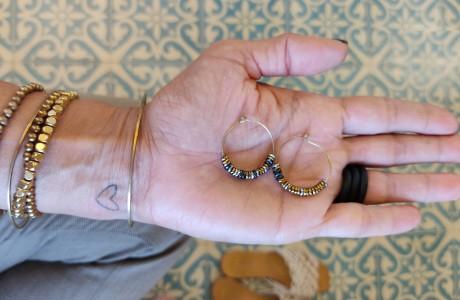 עגילי חרוזים קטנים ומיוחדים
