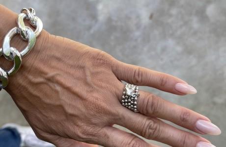טבעת דיסקית דקה עם תליון לב