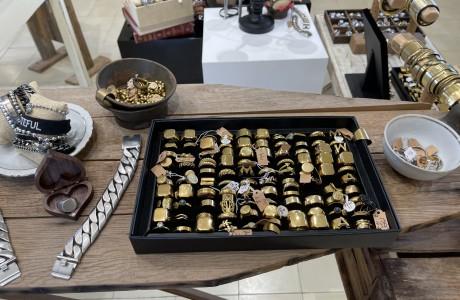 הסטודיו של מאיה אהרוני תכשיטים