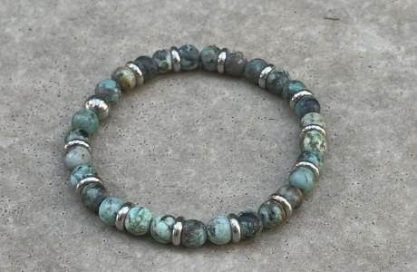 צמיד אבנים בגווני ירוק ״מלוכלך״