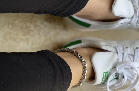 צמיד רגל מלופף