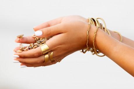 שתי ידיים מלאות אהבה (בראס)