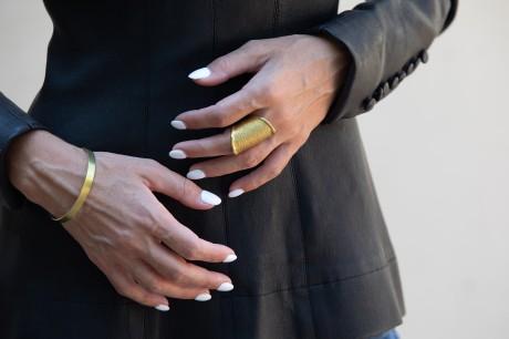 טבעת דבש זהב ענקית