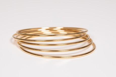 צמידי חישוק זהב דקים