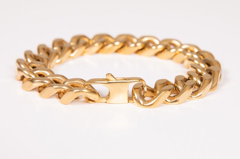 גורמט זהב  עשוי stainless steel - בציפוי זהב איכותי מאיה אהרוני