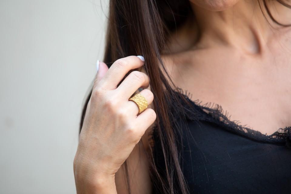 טבעת זהב גדולה