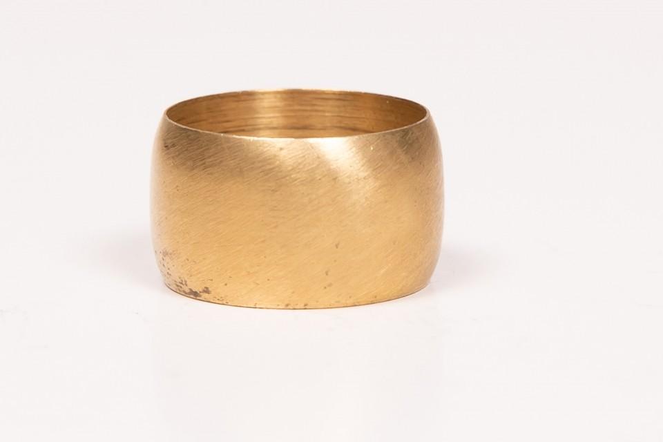 טבעת זהב עשוייה פליז מאיה אהרוני